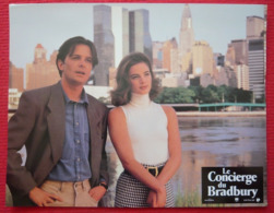 12 Photos Du Film Le Concierge Du Bradbury (1993) - Albums & Collections