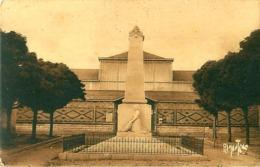 Cpa SAINTE HERMINE 85 Monument Enfants De Ste Hermine Morts Pour La Patrie - Bergevin 12716 - Sainte Hermine