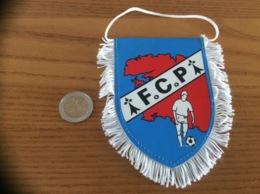 Fanion «FCP - FOOTBALL CLUB DU PORZAY» (hermine, Bretagne) - Apparel, Souvenirs & Other