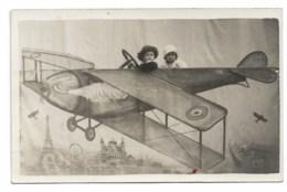 """HYERES 1929: Carte""""Maurice Et Paulette"""" Dans Avion Studio, écrite à Hyeres Le 2 Janvier 1929. - Aviazione"""
