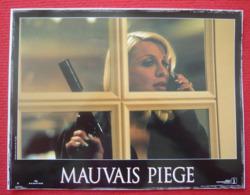 8 Photos Du Film Mauvais Piège (2002) - Charlize Theron - Albums & Collections