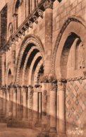 Maillezais : Façade De L'église Romane - Maillezais