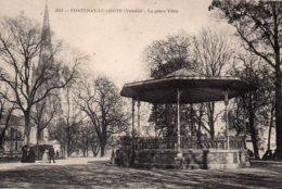 Fontenay Le Comte : La Place Viètre - Fontenay Le Comte