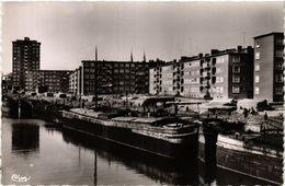 CPA DUNKERQUE Nord-Les Blocs Marchand. Canal De BERGUES (422877) - Dunkerque