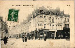 CPA DOUAI-Petite Place (422932) - Douai