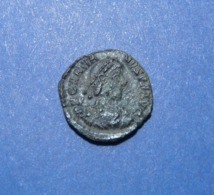Gratianus AE4 SISCIA Mint - 7. Der Christlischen Kaiser (307 / 363)