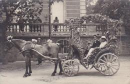AK Foto Brautpaar In Geschmückter Pferdekutsche - Frankreich - Ca. 1910 (44148) - Noces