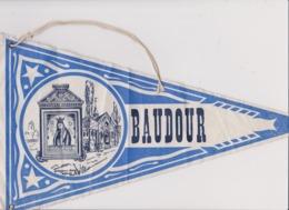 Ancien Fanion Touristique Belgique BAUDOUR   (vintage Années 60) Scan En 2 Parties Du Fait De La Longueur - Recordatorios