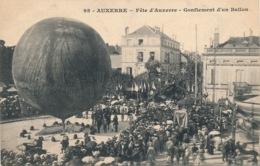 I131 - 89 - AUXERRE - Yonne - Fête D'Auxerre - Gonflement D'un Ballon - Auxerre