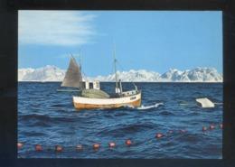 Noruega. *Fishing Boat At Lofoten* Nueva. - Noruega