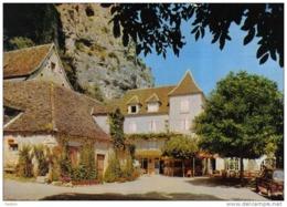 """Carte Postale 46. Gluges  Hotel-Restaurant """"Les Falaises""""  Mr. Battut Prop. Trés Beau Plan - France"""