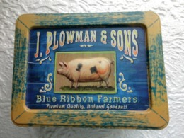 Boite Métal : J Plowman & Sons -  Blue Ribbon Farmers  - Cochon En Relief - Boxes