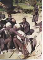Camerun - Mokolo - Boire à La Mème Calebasse, Signe D'amitiè - H5716 - Camerun