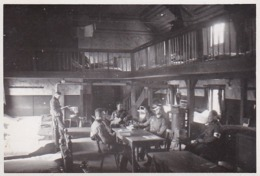 Foto Deutsche Soldaten - Krankensammelstelle In Illingen - Sanitäter - 2. WK - 8,5*5,5cm (44175) - Krieg, Militär