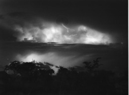 Photo Cameroun. Orage Tropical. Photo Vivant Univers 2000 - Afrique