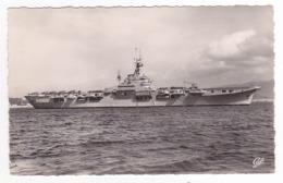 Navire De Guerre N°25 Le Porte Avions Arromanches Ex Collosus De 1944 - Warships