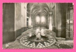 CPSM PM FRANCE 88  ~  PLOMBIERES-LES-BAINS  ~  220  La Piscine Thermale Avec Sa Source  ( C.A.P. Dentelée 1954 ) - Plombieres Les Bains