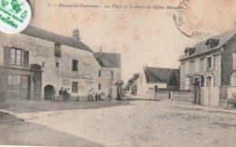78 - Très Belle Carte Postale Ancienne De  MAGNY LES  HAMEAUX  La Place Et Le Débit De Tabac - Magny-les-Hameaux