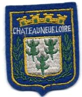 ECUSSON FEUTRINE BLEUE       CHATEAUNEUF SUR LOIRE - Patches
