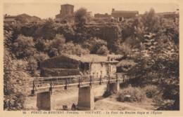 CPA - Vouvant - Le Pont Du Moulin Sègle Et L'église - Forêt De Mervent - Altri Comuni