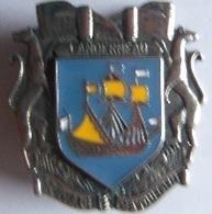 INSIGNE POMPIERS  LANDERNEAU - Firemen