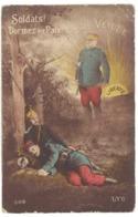 "Cpa Patriotique "" Soldats Dormez En Paix "", Joffre Veille  ( état ) ( MI ) - Patriotic"
