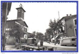 Carte Postale 34. Paulhan  Place Du Marché La Mise En Place Trés Beau Plan - France