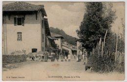 CPA LA BUISSIERE  -  Entrée De La Ville - France