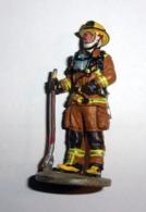 Figurine Pompier - Montreal - Tenue De Feu - Canada 2003 - Soldados De Plomo