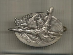 Insigne , CENTRE MOBILISATEUR N° 245 ,CM 245 , Drago Paris, Frais Fr 1.85 E - Badges & Ribbons