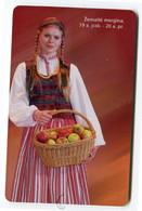 Telecarte °_ Lituanie-50-motifs Jupe Pommes- R/V 5221 - Lituanie