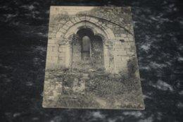 7554      ABBAYE D'AULNE, PORTE TRILOBEE PRISE DU CLOITRE - Thuin