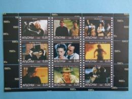 ABKHAZIA 1999 -  BLOC 9 TIMBRES - CINEMA ANNEE 1980 - Caucasia