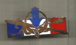 INSIGNE , Forces Françaises En Afrique Du Nord , H.1314 ,2 Scans , Frais Fr 1.65 E - Army