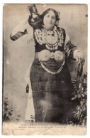 SERBIE - SOUVENIR D' ORIENT - Jeune Serbe En Costume National - FEMME - COSTUME - Ed. Illisible - Serbie