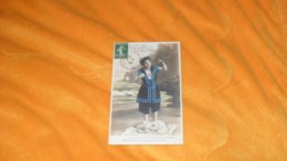 CARTE POSTALE ANCIENNE CIRCULEE DE 1909../ JE SUIS AU BAIN DE MER ET MON COEUR VOUS RECLAME....CACHET + TIMBRE - Femmes