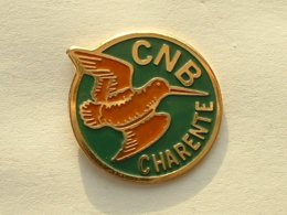 PIN'S BECASSE - CNB CHARENTE - Animales