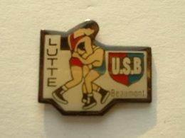 PIN'S LUTTE - USB BEAUMONT - Lutte