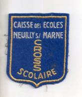 REF EX2 : Ecusson Tissus : Neuilly Sur Marne Caisse Des écoles Cross Scolaire - Ecussons Tissu