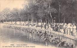 PECHEURS A LA LIGNE - 74 - EVIAN Les BAINS Le Coin Favori Des Pêcheurs Au Jardin Anglais ( En Barque ) CPA - Seine - Pêche