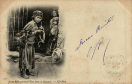 Algérie - Jeune Fille Portant L'Eau Dans Le Mezoued - Women