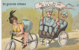CPA Femme Cycliste Gros Fessier Vélo Bicyclette Cycling Radsport Soldat Carriole Allumette Match  Illustrateur (2 Scans) - Cyclisme