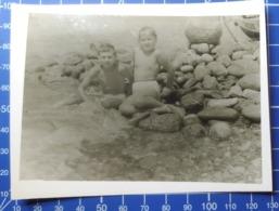 B&W Amateur Photo Girl Fille Boy Garcon Beach Vacation Summer 1410 - Anonyme Personen