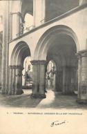 Tournai - Cathédrale (Arcades De La Nef Principale) Peu Vue, Précurseur) - Doornik