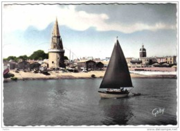 Carte Postale 17. La Rochelle Et La Tour Des Quatre Sergents Trés Beau Plan - La Rochelle