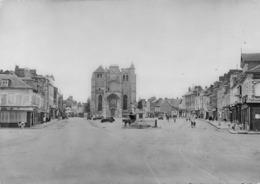 Le NEUBOURG - La Grand'Place - Eglise - Editions Dumont - Le Neubourg