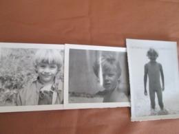 LITTLE BOY, THREE PHOTOS - Anonieme Personen
