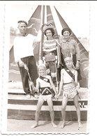 Photo Originale , Souvenir , Femmes Er Enfants  Habillés En Costumes Indiens , Dim. 6.0 X 9.0 Cm - Personnes Anonymes