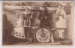 "CARTE PHOTO VAN DER ZYPPE TOURCOING : UN GROUPE DE JAZZ "" TED LEWIS - JAZZBAND "" - MUSICIENS & ORCHESTRE DE JAZZ - R/V - - Music And Musicians"