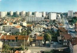 """/ CPSM FRANCE 78 """"Poissy, Quartier Foch Et Saint Louis Avec L'avenue De Versailles"""" - Poissy"""